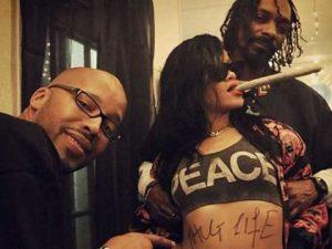 Rihanna & Snoop Thug Life Pic