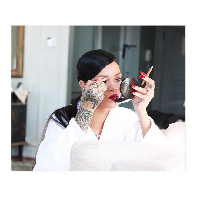 Rihanna smoking weed